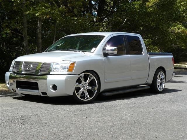 dragggns 2004 Nissan Titan photo