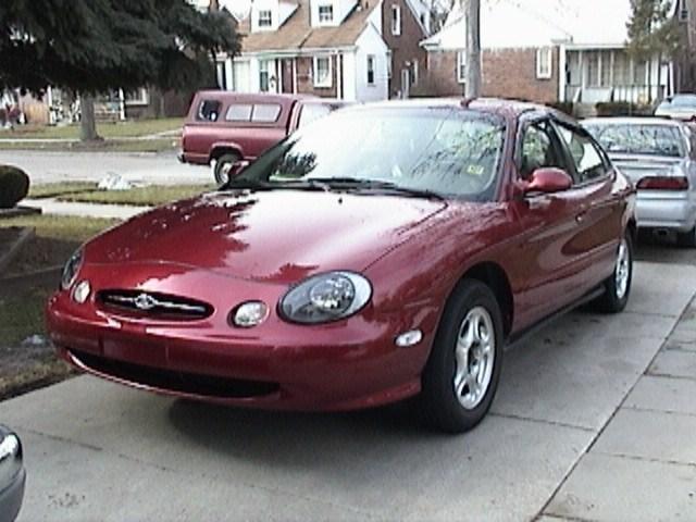 silverknights 1999 Ford Taurus photo