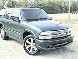 niksmooves 1999 Chevy S-10 Blazer photo thumbnail