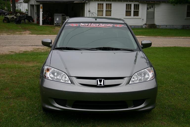 tRoUpStAs 2004 Honda Civic photo