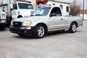 simple-pleasurezs 2000 Toyota Tacoma photo thumbnail