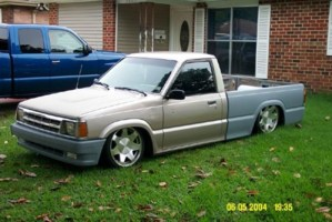 slmdastro1s 1988 Mazda B2200 photo thumbnail