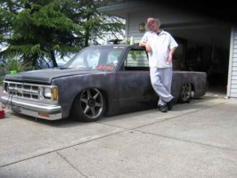 clean n lows 1984 Chevy S-10 photo thumbnail