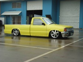 10MNIs 1990 Ford Courier photo thumbnail