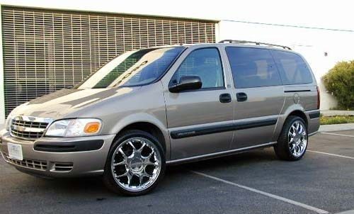 yycbounds 2003 Chevy Venture photo