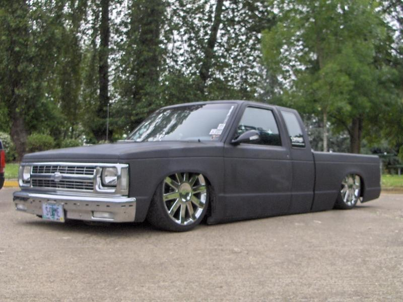 TooLowSdimes 1988 Chevy S-10 photo