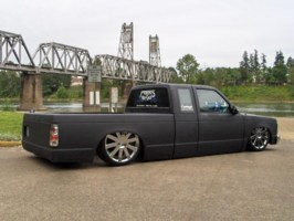 TooLowSdimes 1988 Chevy S-10 photo thumbnail