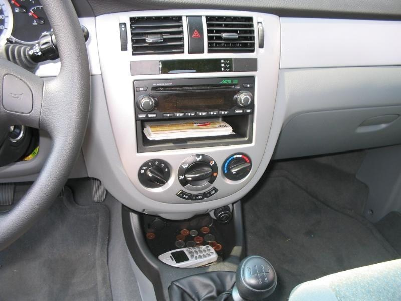 s10soolows 2004 Chevy Optra photo