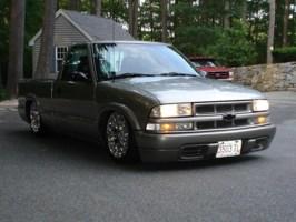 SDIME99s 1999 Chevy S-10 photo thumbnail