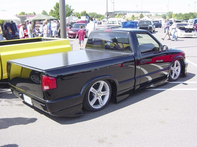 not an extremes 1998 Chevy S-10 photo
