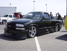 not an extremes 1998 Chevy S-10 photo thumbnail