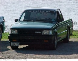 ReverendMazdas 1993 Mazda B2200 photo thumbnail
