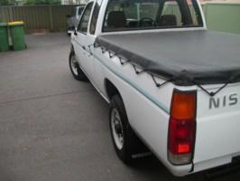 cliches 1992 Nissan King Cab photo thumbnail