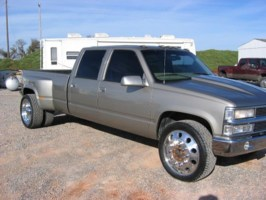 jdjonesjrs 2000 Chevy Dually photo thumbnail