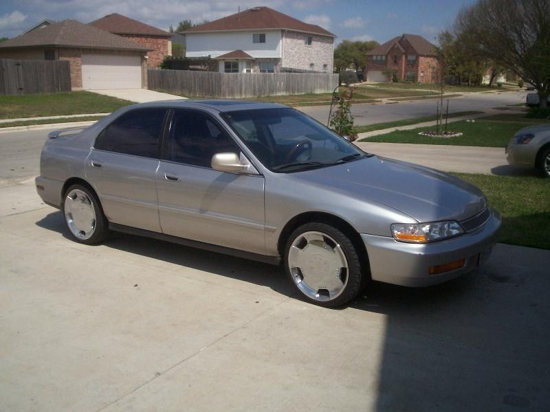 oldskoolpimpin27s 1997 Honda Accord photo