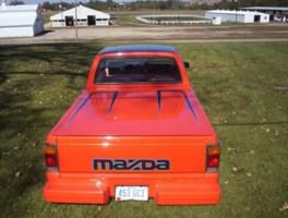 meekss 1987 Mazda B2000 photo thumbnail
