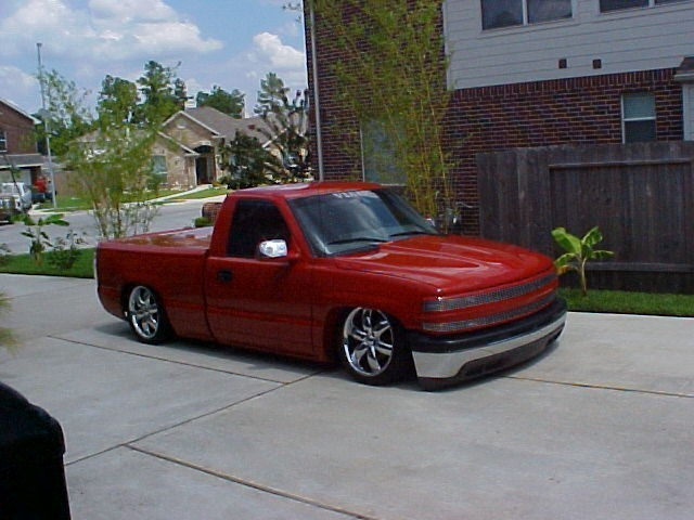 Adjustable Altitudes 2000 Chevy Full Size P/U photo