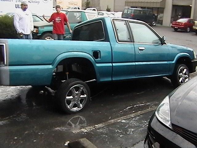 MAZDILLA2K4s 1993 Mazda B2200 photo