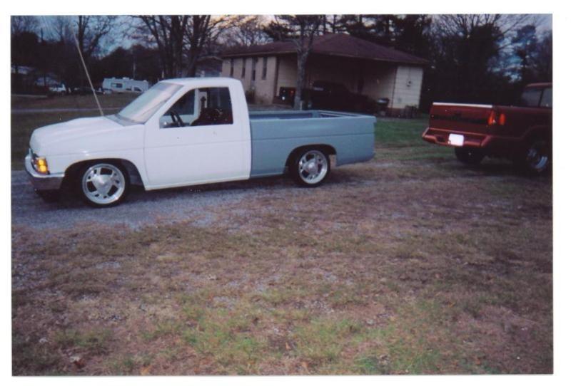 ilaydits 1988 Nissan Hard Body photo