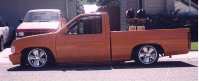 jawdrpnnissans 1987 Nissan Hard Body photo