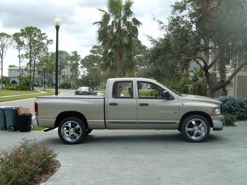 Tuckin 20ss 2002 Dodge Ram 1/2 Ton P/U photo