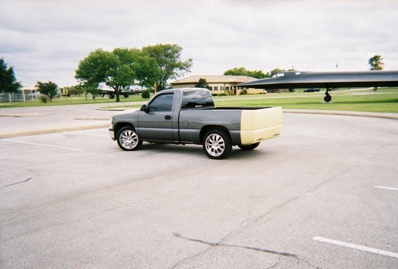 smokin dubss 2001 Chevrolet Silverado photo