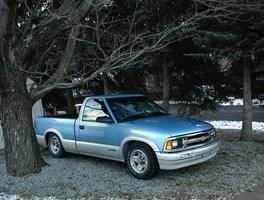 DKrcr6s 1996 Chevy S-10 photo thumbnail