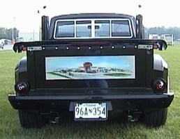 redliness 1976 Ford Courier photo thumbnail