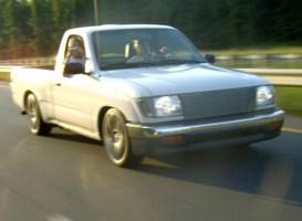 LittleWhiteTacomas 1999 Toyota Tacoma 2wd photo thumbnail
