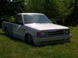 vidraggins 1987 Mazda B2200 photo thumbnail