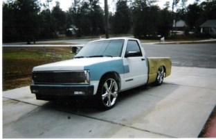 bagged355sbs 1992 Chevy S-10 photo thumbnail