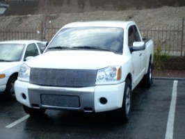 notsolos 2004 Nissan Titan photo thumbnail