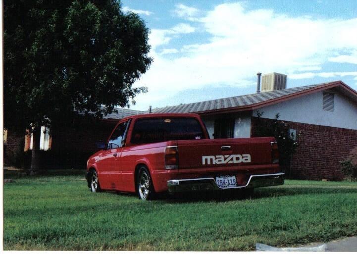 1LOWDAWGs 1987 Mazda B2000 photo