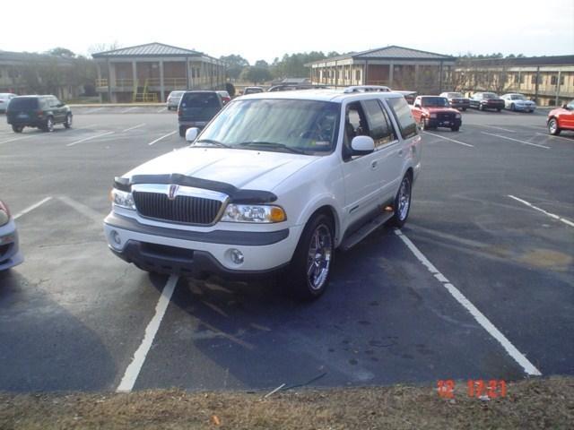sangrequbanas 1999 Lincoln Navigator photo