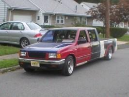 lowzone2s 1990 Toyota Pickup photo thumbnail