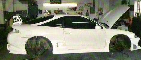 jonboy00s 1999 Mitsubishi Eclipse photo thumbnail