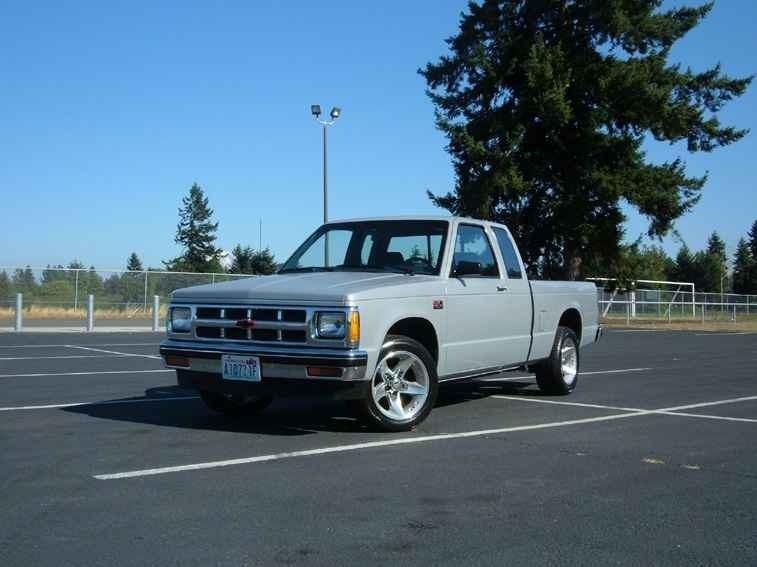 SPRKSHWs 1985 Chevy S-10 photo