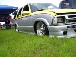 redsiguys 1995 Chevy S-10 Blazer photo thumbnail