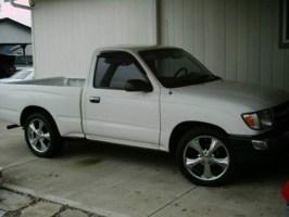 joshatchleys 2000 Toyota Tacoma 2wd photo thumbnail
