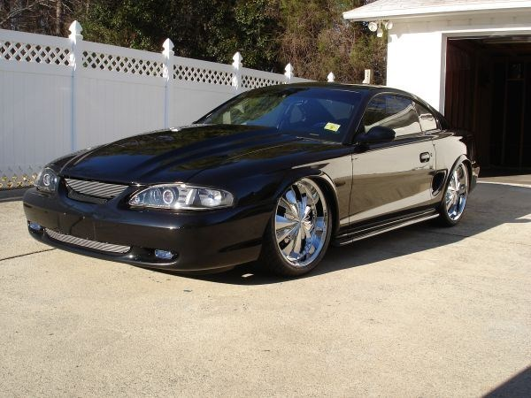 Layinlow9580s 1995 Ford Mustang photo