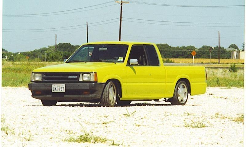 90mazs 1990 Mazda B2200 photo