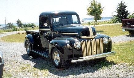 1Fine792Bs 1947 Ford  F/S P/U photo