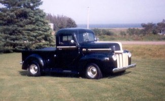 1Fine792Bs 1947 Ford  F/S P/U photo thumbnail