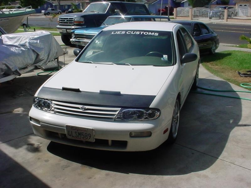 1loudaltimas 1997 Nissan Altima photo