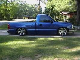 TOOLYEAs 2003 Chevrolet Silverado photo thumbnail