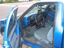 freezinlows 1994 Chevy S-10 photo thumbnail