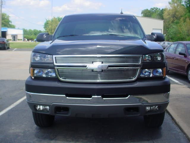 22s_N_40ss 2005 Chevy HD 2500 4x4 photo
