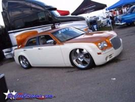 ekstensivemetalworkss 2005 Chrysler 300C photo thumbnail