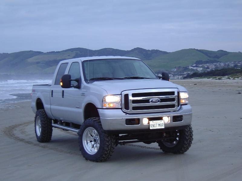 Knightmare08s 2005 Ford  F250 photo