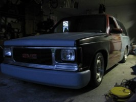 dragginminiss 1984 Chevy S-10 Blazer photo thumbnail